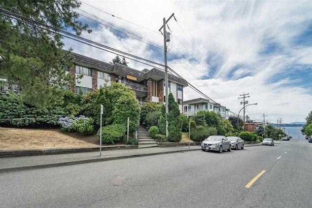 204 1330 Martin Street, White Rock, BC - CAN (photo 1)