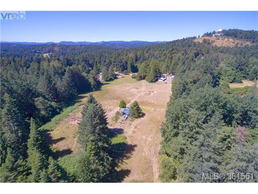 5067 Old West Saanich Rd, Saanich West, BC - CAN (photo 1)