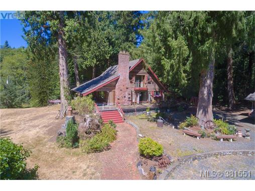 5067 Old West Saanich Rd, Saanich West, BC - CAN (photo 2)