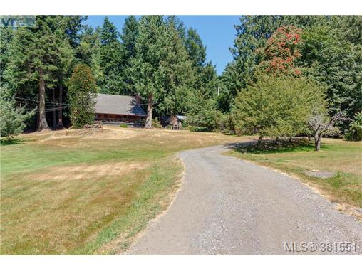 5067 Old West Saanich Rd, Saanich West, BC - CAN (photo 3)