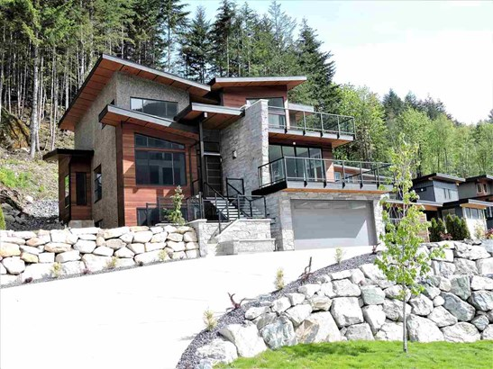 38532 Sky Pilot Drive, Squamish, BC - CAN (photo 1)