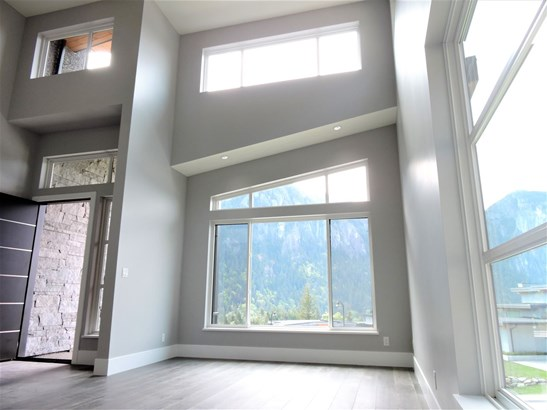 38532 Sky Pilot Drive, Squamish, BC - CAN (photo 3)