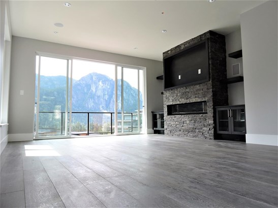 38532 Sky Pilot Drive, Squamish, BC - CAN (photo 4)