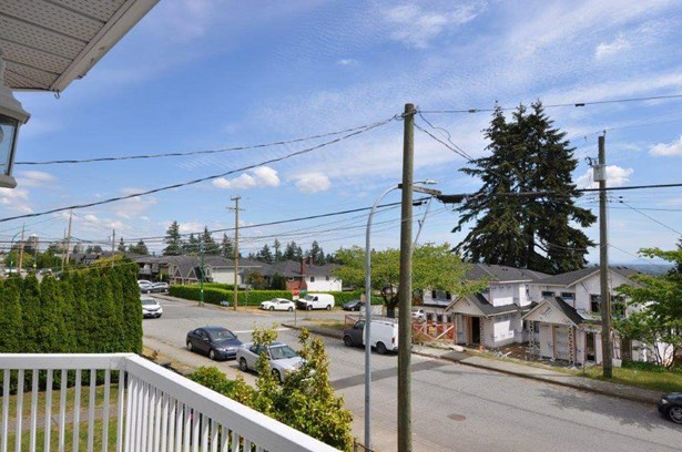 5567 Clinton Street, Burnaby, BC - CAN (photo 4)
