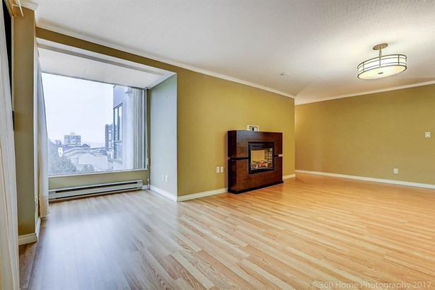 904 410 Carnarvon Street, New Westminster, BC - CAN (photo 3)
