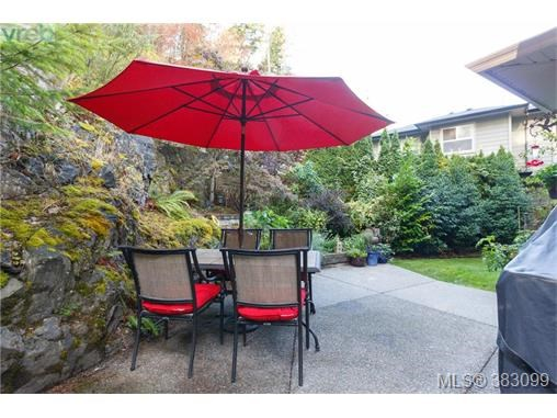 3613 Pondside Terr, Colwood, BC - CAN (photo 2)