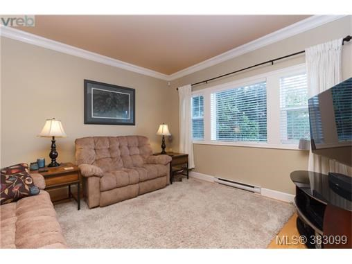 3613 Pondside Terr, Colwood, BC - CAN (photo 5)