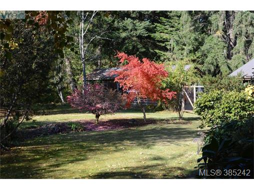 133 Arnell Way, Salt Spring Island, BC - CAN (photo 3)