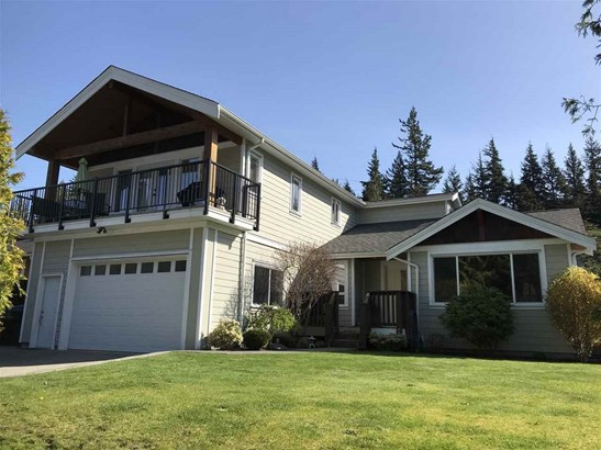 1002 Cypress Place, Squamish, BC - CAN (photo 1)