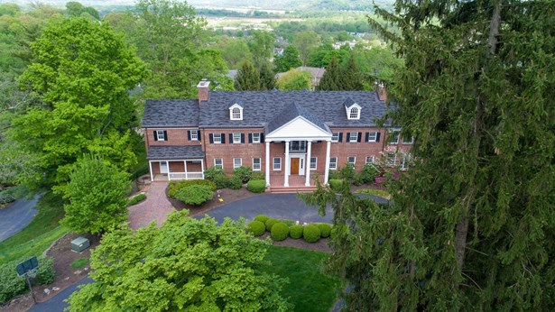 Colonial,Traditional, Single Family Residence - Cincinnati, OH