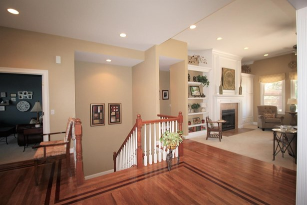 Single Family Residence, Ranch,Transitional - Miami Twp, OH (photo 3)
