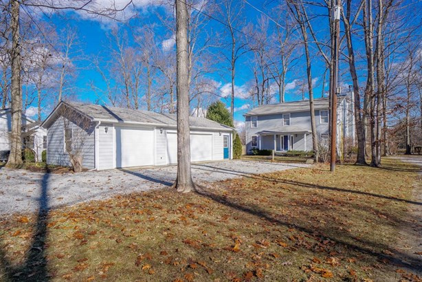 Transitional, Single Family Residence - Perry Twp, OH