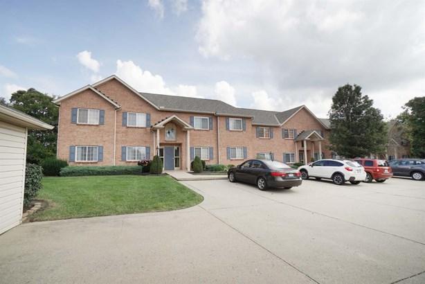 Condominium, Traditional - Colerain Twp, OH