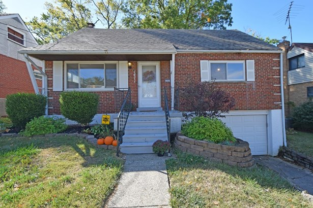 Cape Cod, Single Family Residence - North College Hill, OH