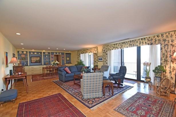 Contemporary/Modern,Traditional, Condominium - Cincinnati, OH (photo 2)