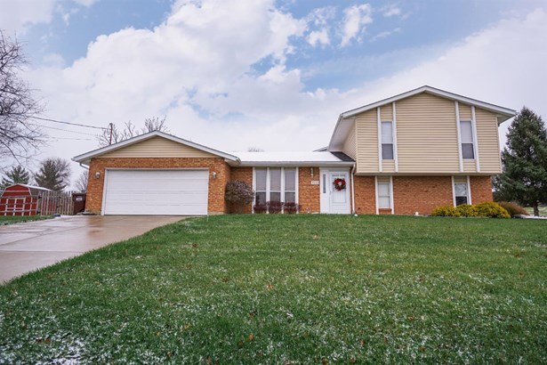 Single Family Residence, Traditional - Fairfield Twp, OH