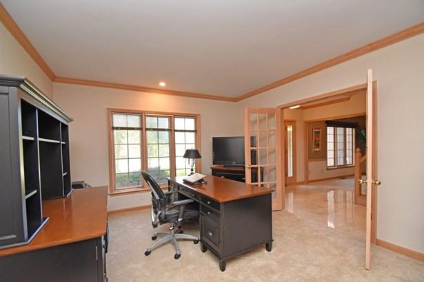 Transitional,Tudor, Single Family Residence - Symmes Twp, OH (photo 3)