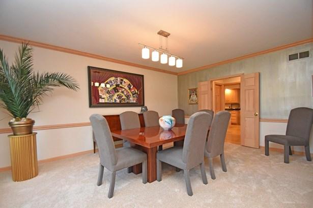 Transitional,Tudor, Single Family Residence - Symmes Twp, OH (photo 4)