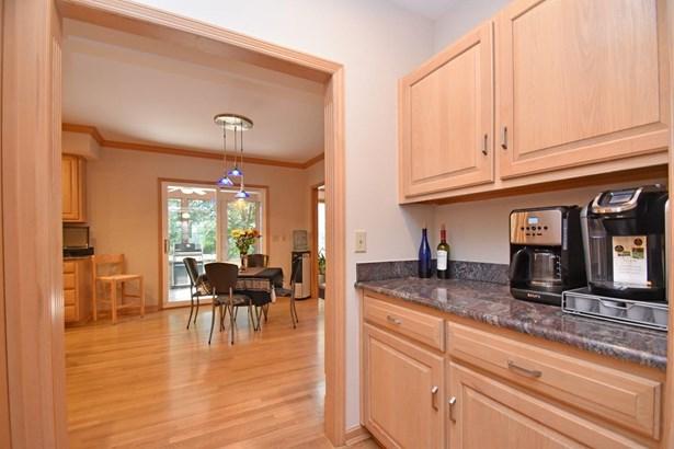 Transitional,Tudor, Single Family Residence - Symmes Twp, OH (photo 5)