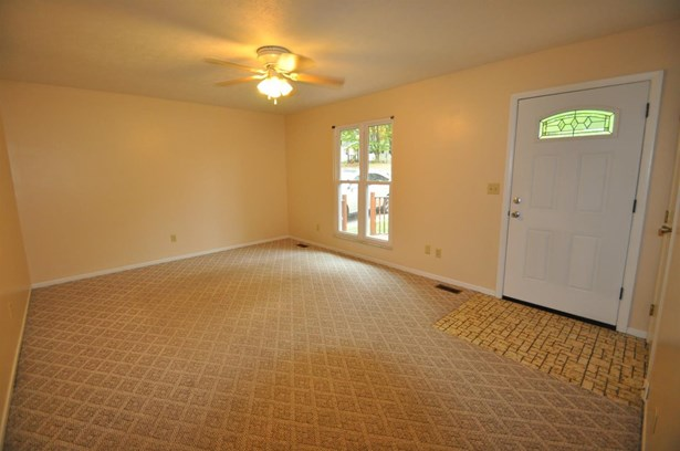 Single Family Residence, Ranch - Evendale, OH (photo 2)