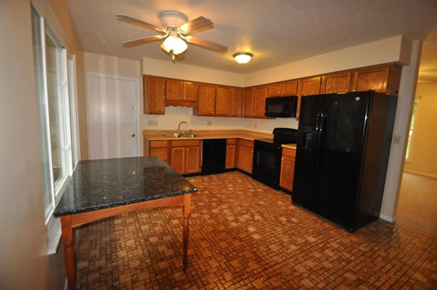 Single Family Residence, Ranch - Evendale, OH (photo 3)