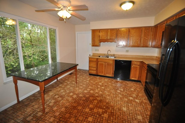 Single Family Residence, Ranch - Evendale, OH (photo 4)