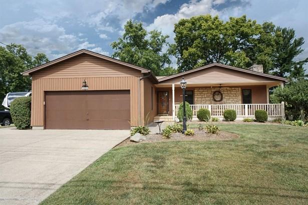 Single Family Residence, Ranch - Springdale, OH