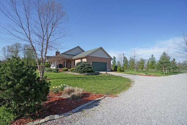 Single Family Residence, Ranch - Harlan Twp, OH (photo 2)