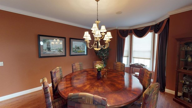 Single Family Residence, Traditional - Sharonville, OH (photo 3)