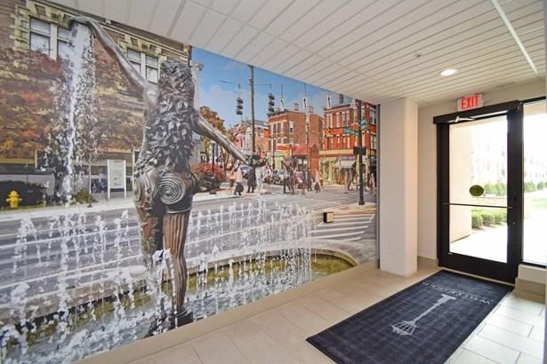 Contemporary, Apartment - Cincinnati, OH (photo 3)