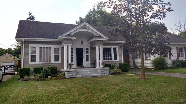 Traditional,Other, Single Family Residence - Franklin, OH (photo 1)