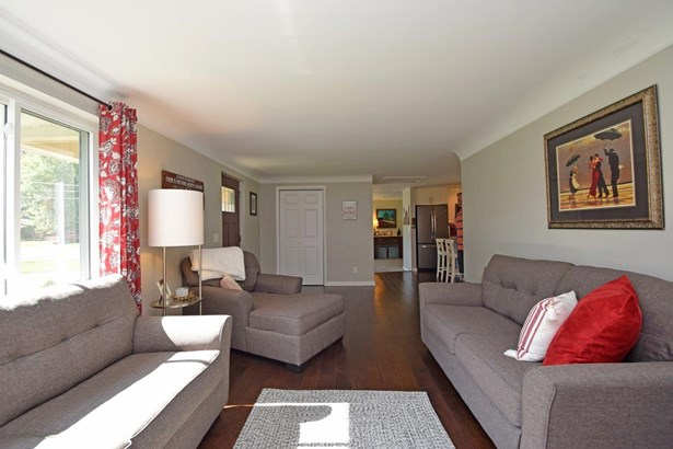 Single Family Residence, Ranch - Milford, OH (photo 4)