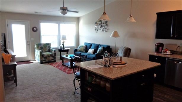 Condominium, Traditional,Ranch - Lawrenceburg, IN (photo 4)