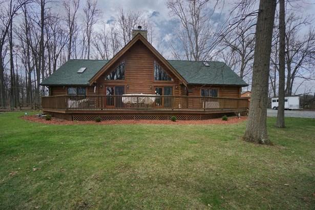 Single Family Residence, Cabin/Rustic - Harlan Twp, OH (photo 1)