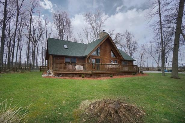 Single Family Residence, Cabin/Rustic - Harlan Twp, OH (photo 2)