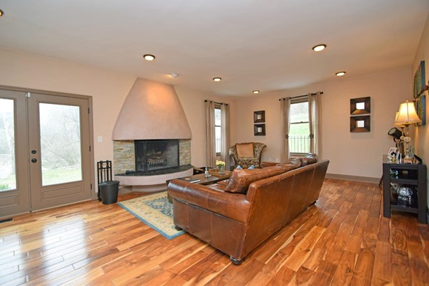 Single Family Residence, Mission,Other - Green Twp, OH (photo 4)