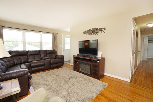 Single Family Residence, Ranch - Green Twp, OH (photo 5)