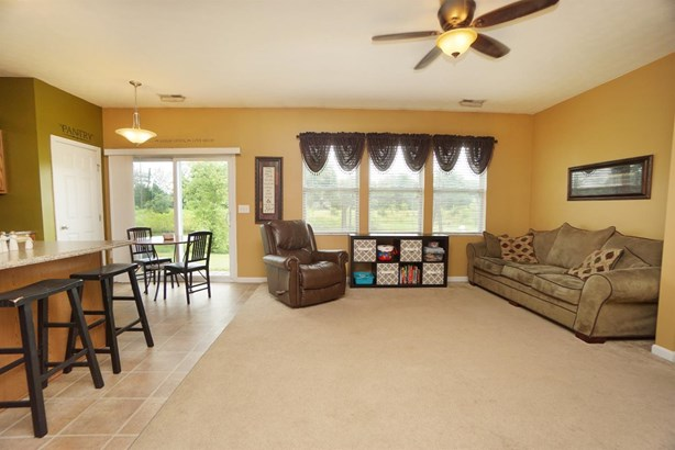 Single Family Residence, Ranch - Maineville, OH (photo 4)