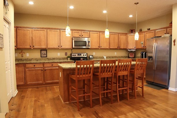 Single Family Residence, Ranch,Transitional - Miami Twp, OH (photo 5)