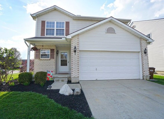 Transitional, Single Family Residence - Trenton, OH (photo 1)
