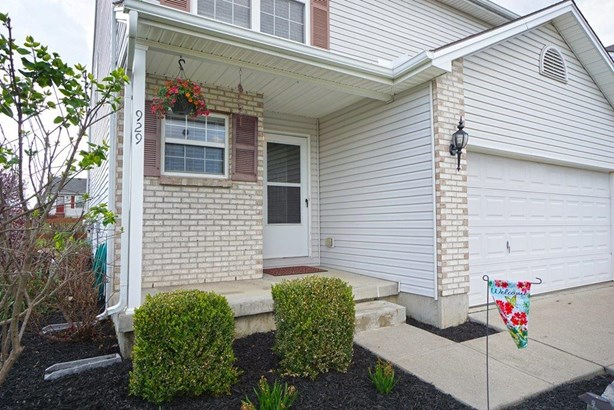 Transitional, Single Family Residence - Trenton, OH (photo 2)