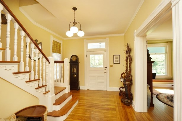 Single Family Residence, Victorian - Wyoming, OH (photo 3)