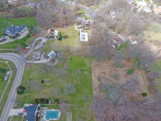 Single Family Residence, Craftsman/Bungalow - Glendale, OH (photo 2)