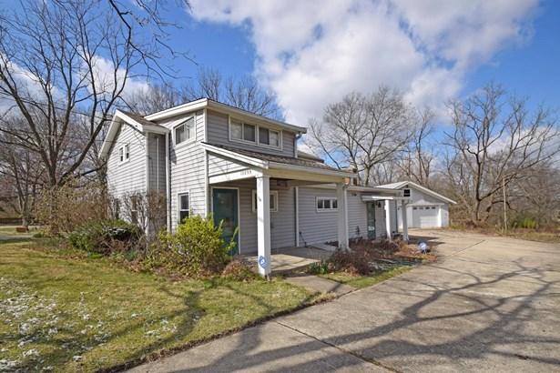 Single Family Residence, Craftsman/Bungalow - Glendale, OH (photo 4)