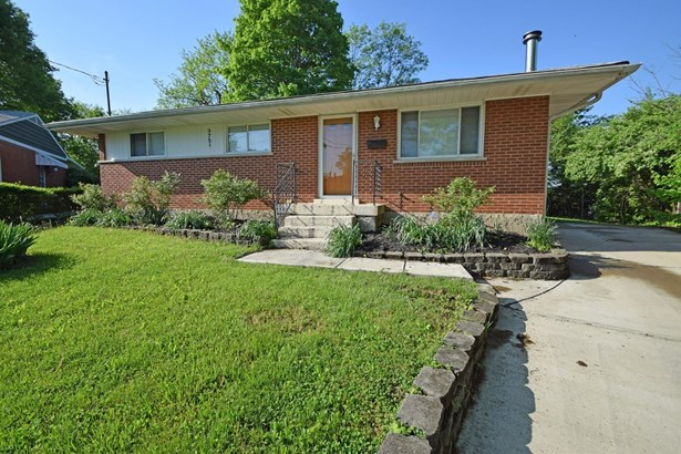 Single Family Residence, Ranch - Fairfax, OH (photo 2)