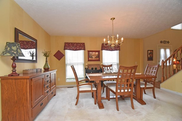Single Family Residence, Traditional - Batavia Twp, OH (photo 3)