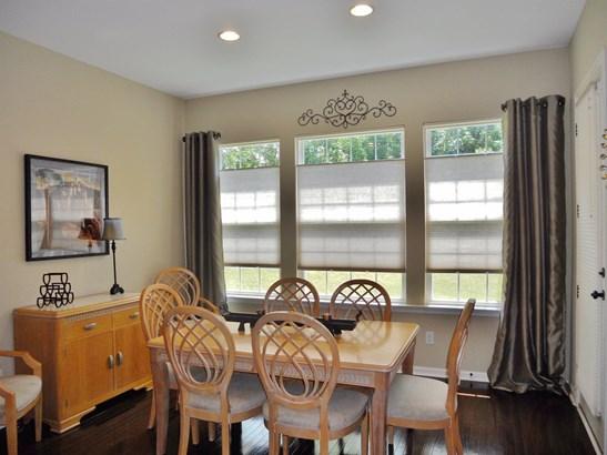 Transitional, Single Family Residence - Loveland, OH (photo 3)