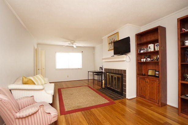 Condominium, Traditional - Springdale, OH (photo 4)