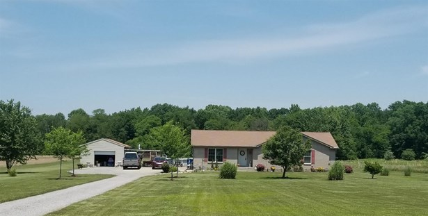 Single Family Residence, Contemporary/Modern - Tate Twp, OH (photo 1)