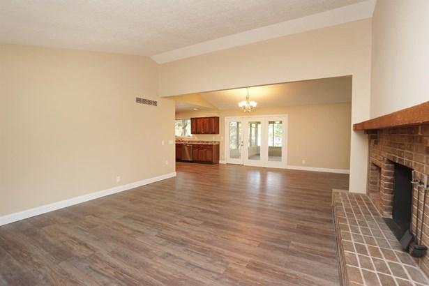 Single Family Residence, Ranch - Hamilton Twp, OH (photo 3)